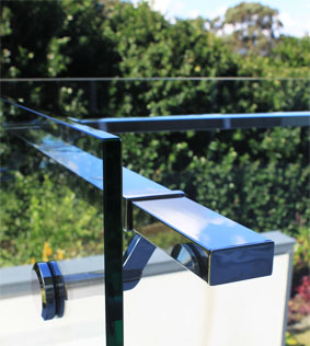 Frameless Glass Balustrade with rectangular offset handrail